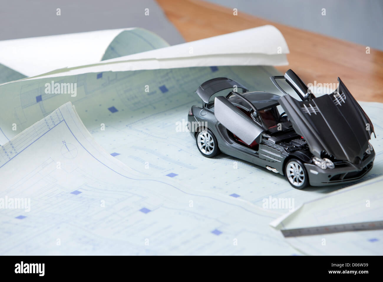 Sketch Blueprint Car Stockfotos & Sketch Blueprint Car Bilder - Alamy