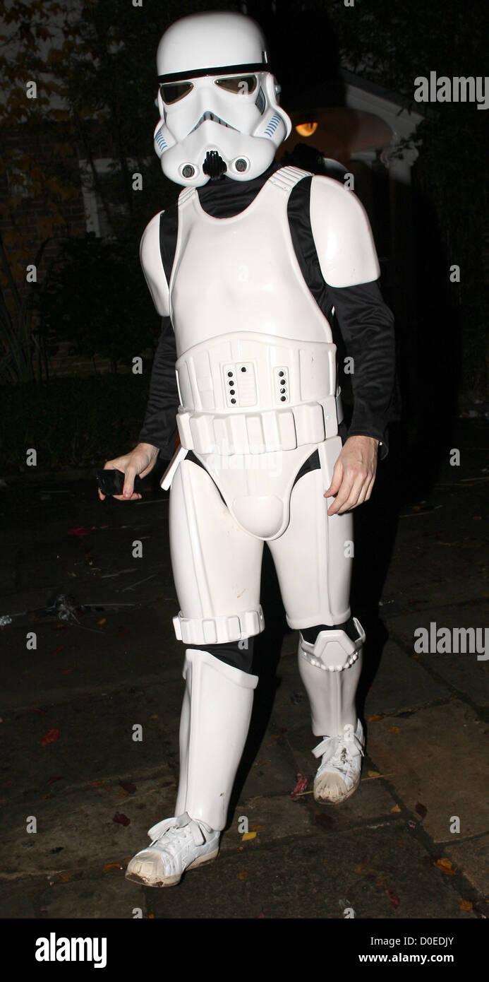 Jimmy Carr als ein Star Wars Stormtrooper auf Jonathan Ross ...