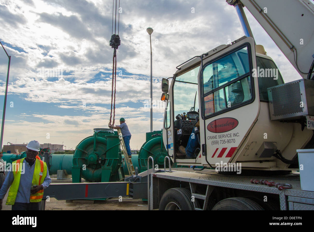 Crane Flatbed Stockfotos & Crane Flatbed Bilder - Alamy