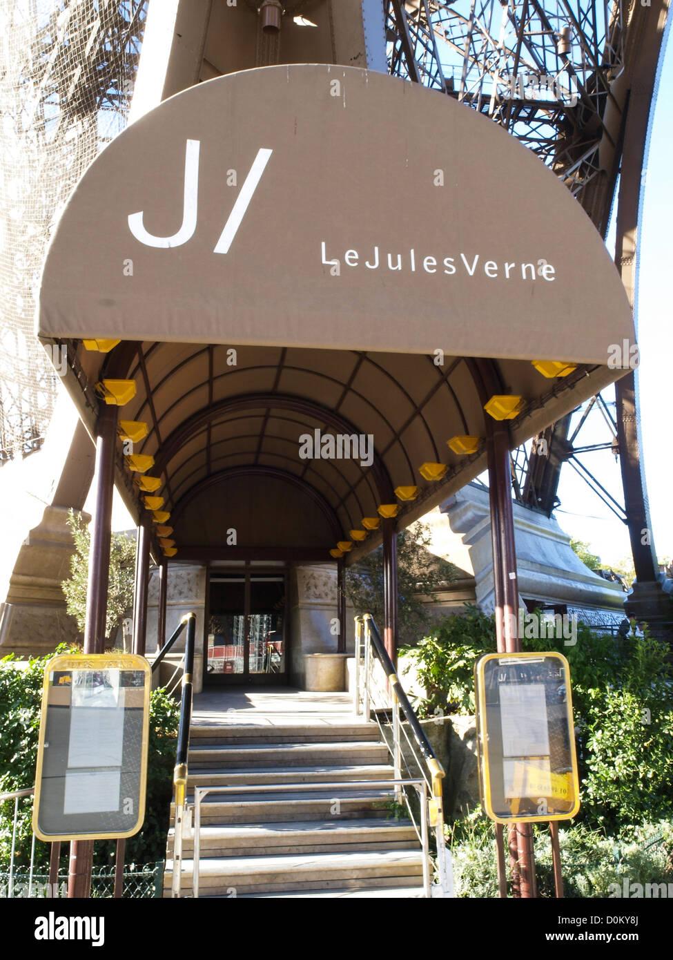 paris eiffelturm tour eiffel restaurant le jules verne frankreich stockfoto bild 52069602. Black Bedroom Furniture Sets. Home Design Ideas
