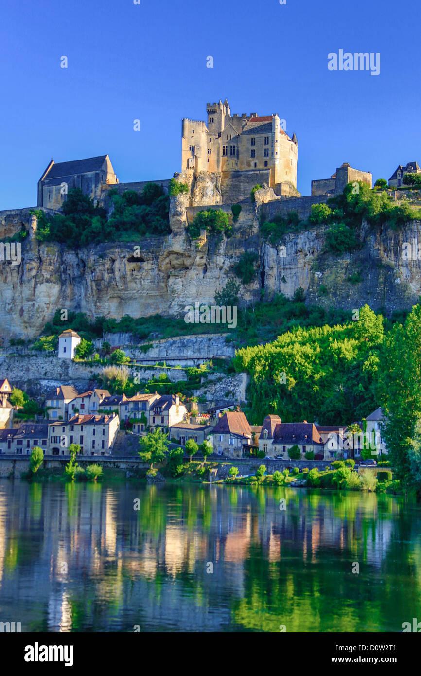 Frankreich, Europa, Reisen, Dordogne, Beynac, Architektur, Burg, Landschaft, mittelalterliche, Morgen, Fluss, Skyline, Stockbild