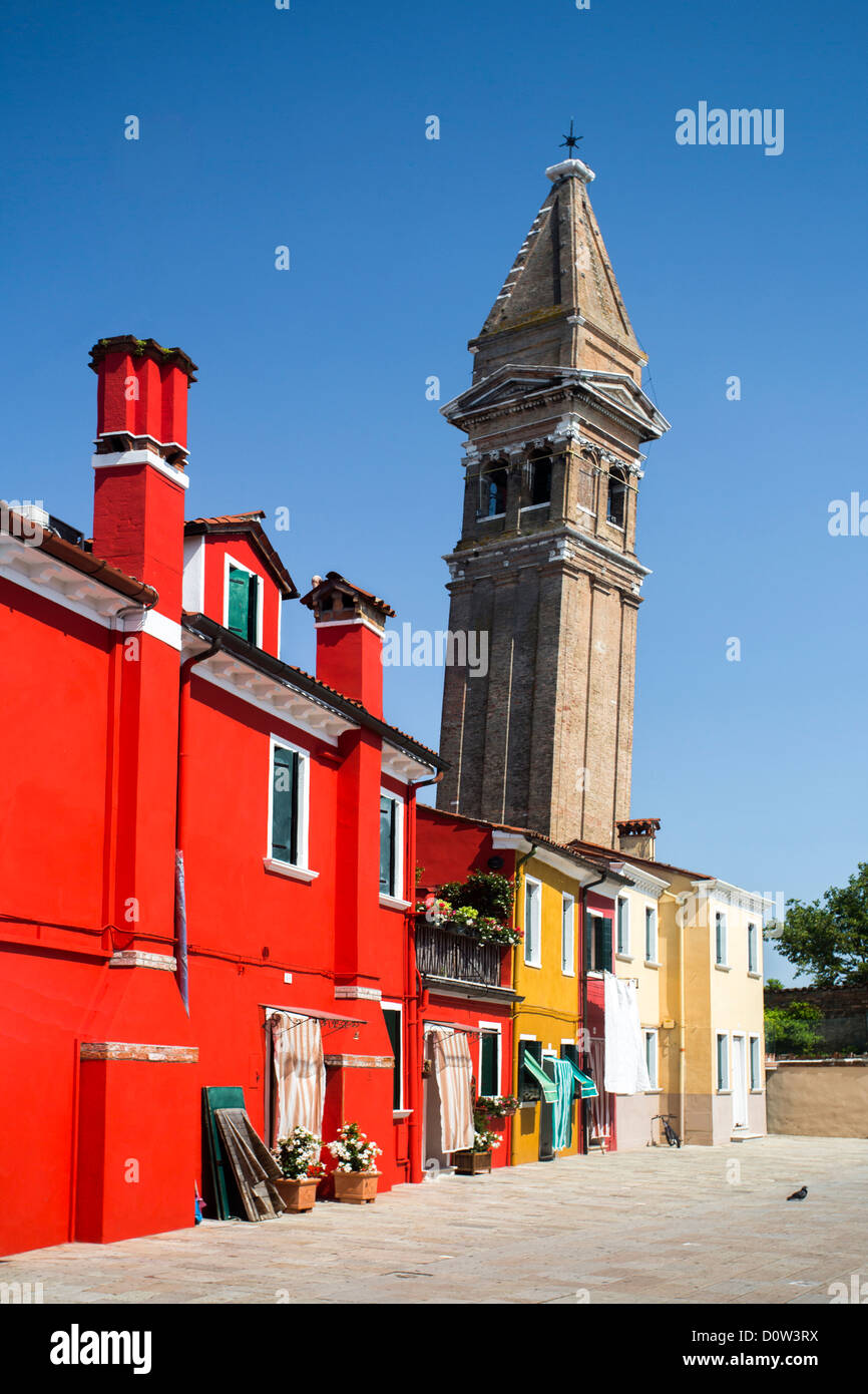 Italien, Europa, Reisen, Burano, Architektur, bunt, Farben, Tourismus, Venedig, Turm Stockbild