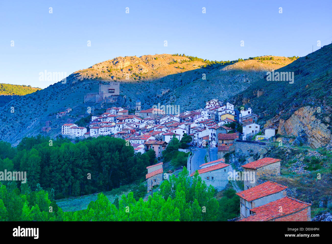 Spanien, Europa, Aragon, Teruel, Provinz, Maestrazgo, Alcala De La Selva, Teruel, Architektur, Burg, Landschaft, Stockbild