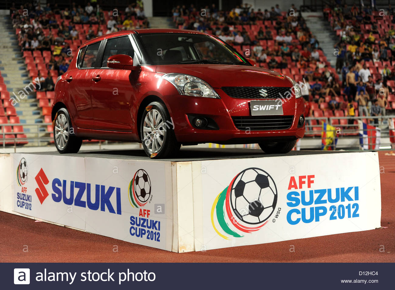 Suzuki Cup Thailand Vs Vietnam 30. November 2012 Suzuki Swift aus der Hauptsponsor. Stockbild
