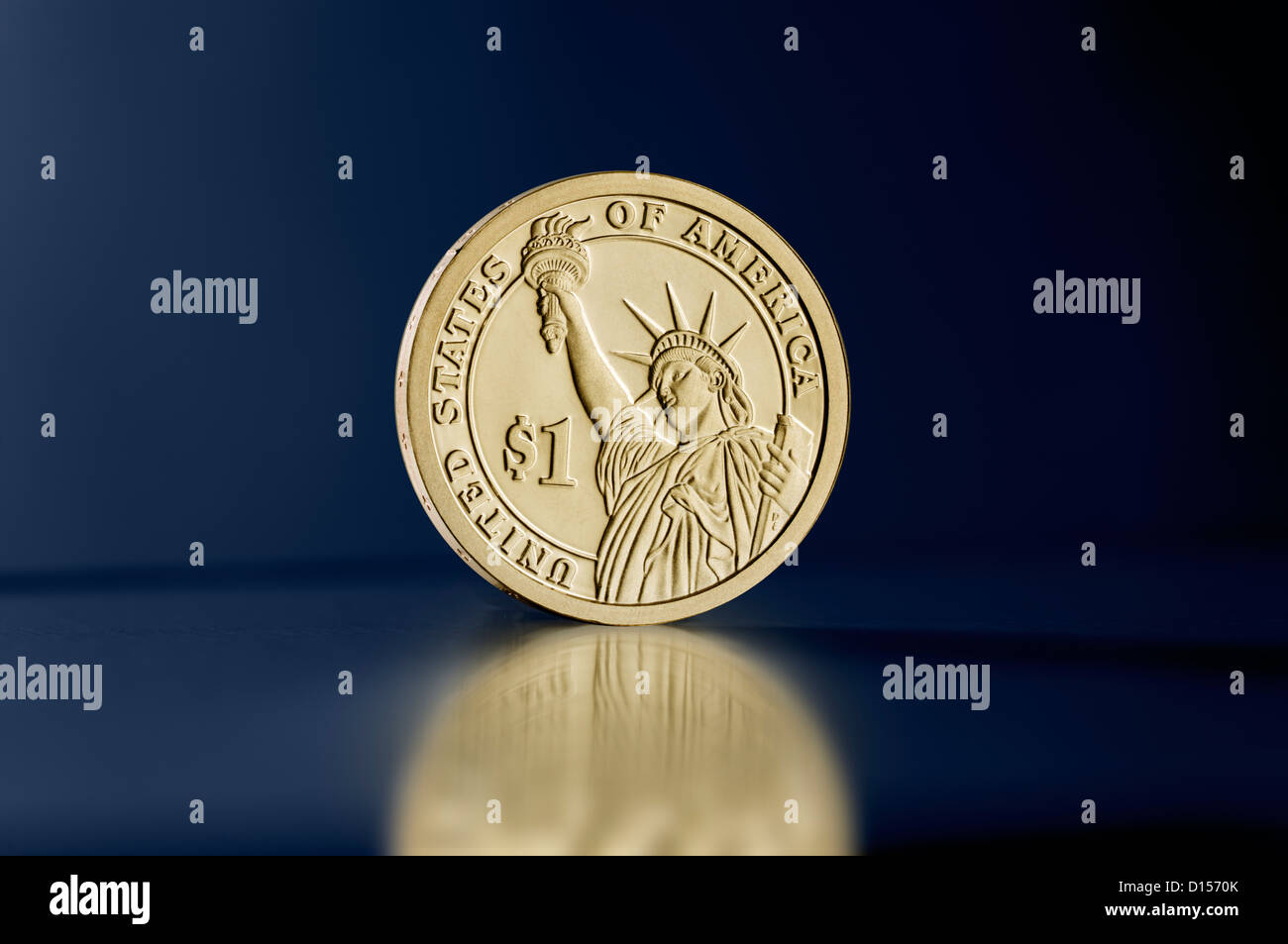 Us Statue Of Liberty Dollar Stockfotos Us Statue Of Liberty Dollar