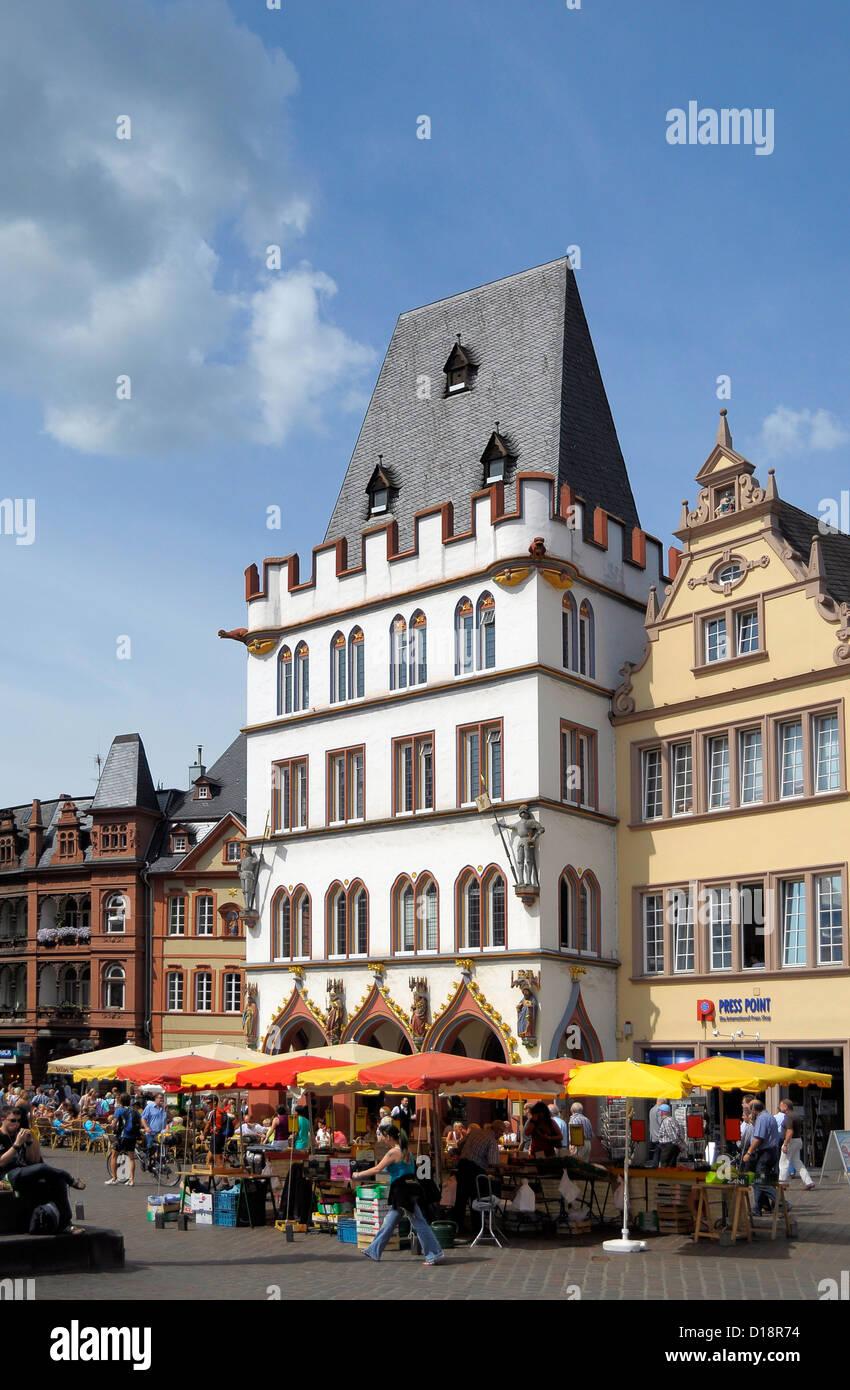 Rheinland Pfalz Trier Fussgangerzone Und Einkaufsstrasse Hauptmarkt Im Zentrum Stockfotografie Alamy