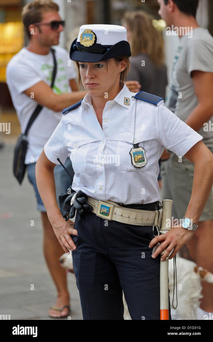 Deutschlands Geilste Polizistin