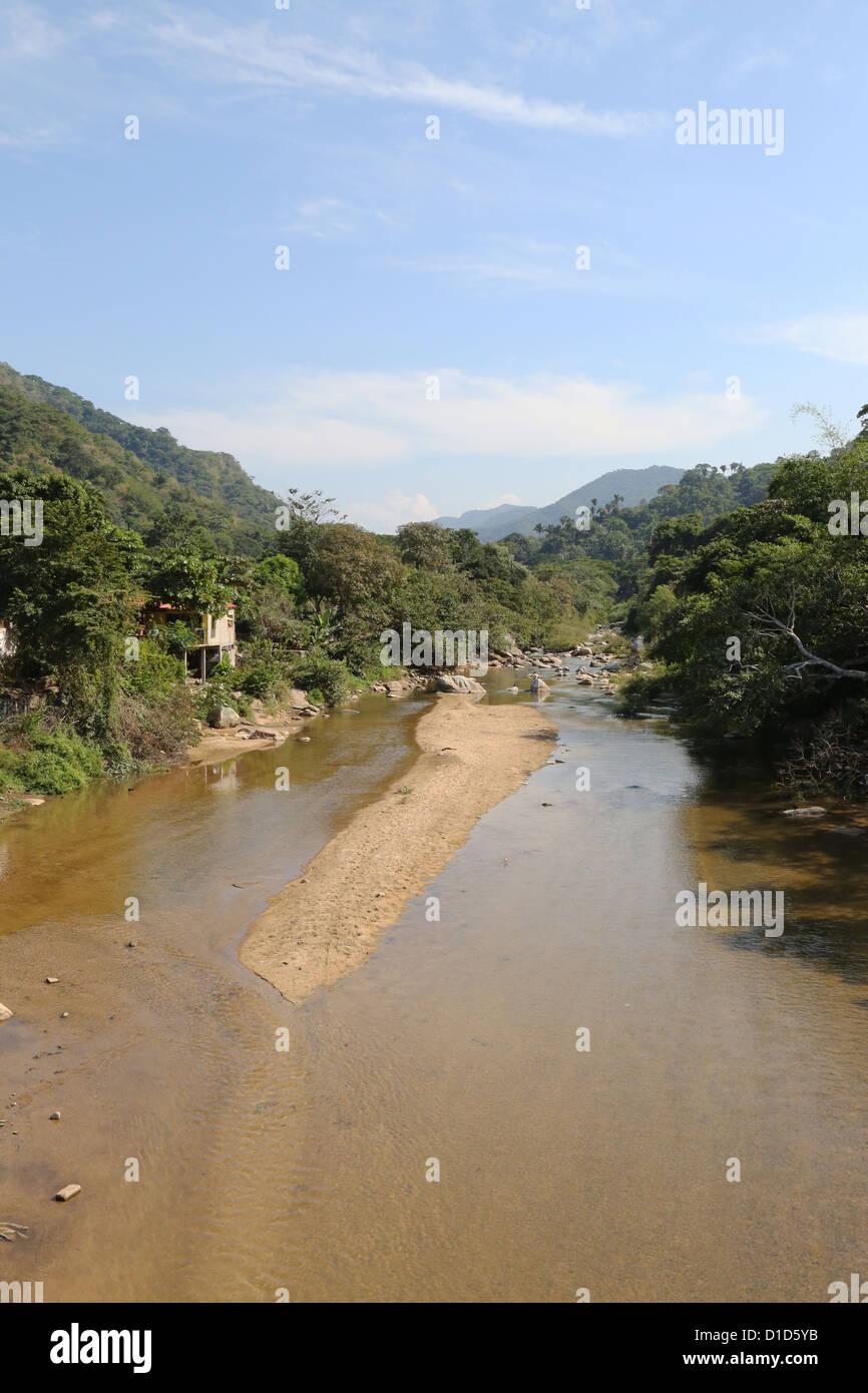 Ein Fluss in der Nähe von Yelapa, Jalisco, Mexiko. Stockbild