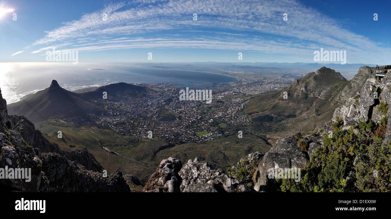 Table Mountain Draufsicht bis Cape Town, Südafrika Stockbild