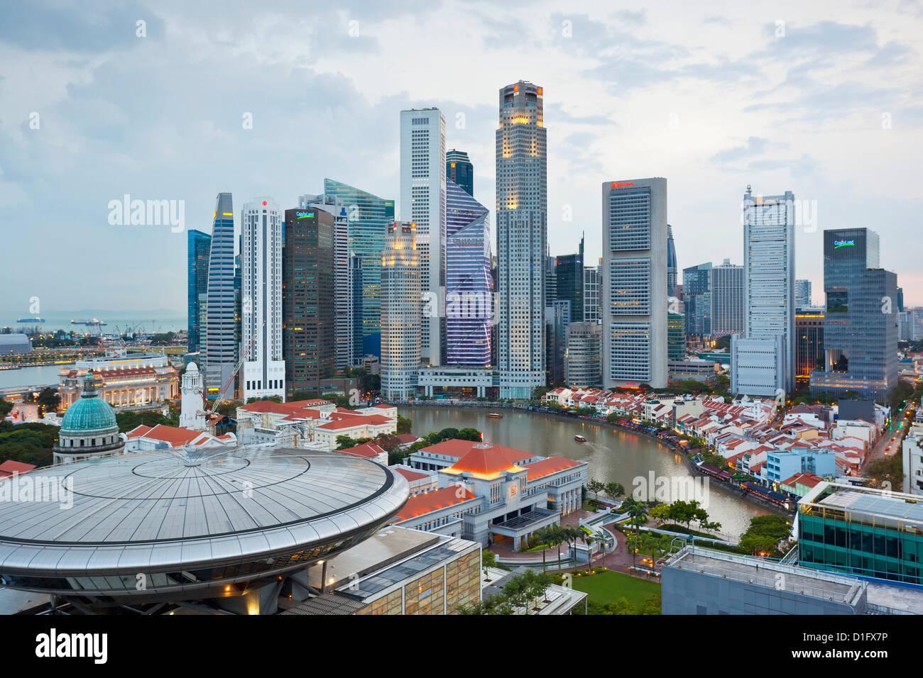 Skyline und Financial District in der Morgendämmerung, Singapur, Südostasien, Asien Stockbild