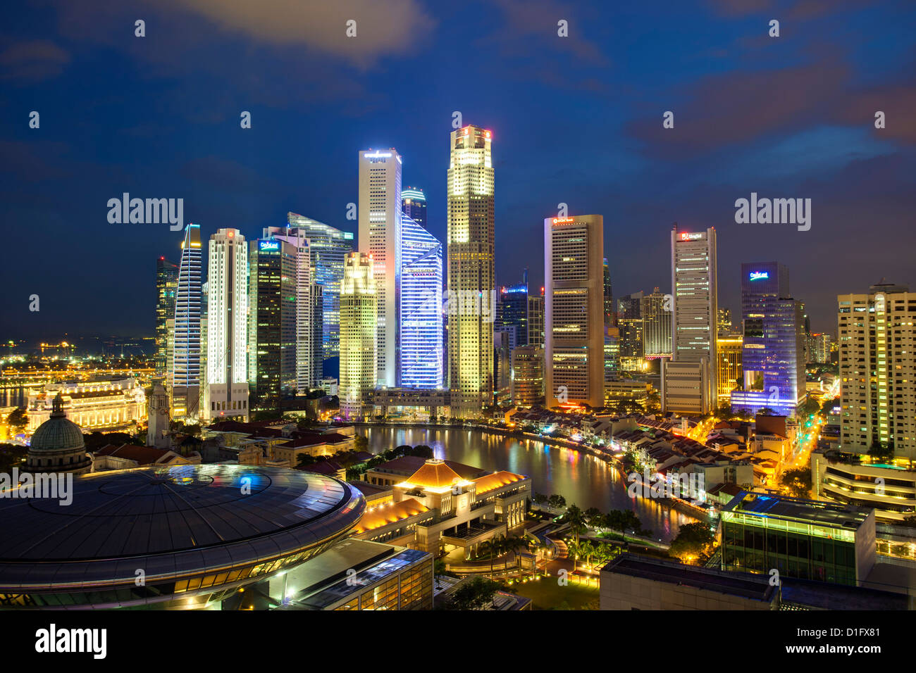 Skyline und Financial District in der Abenddämmerung, Singapur, Südostasien, Asien Stockbild