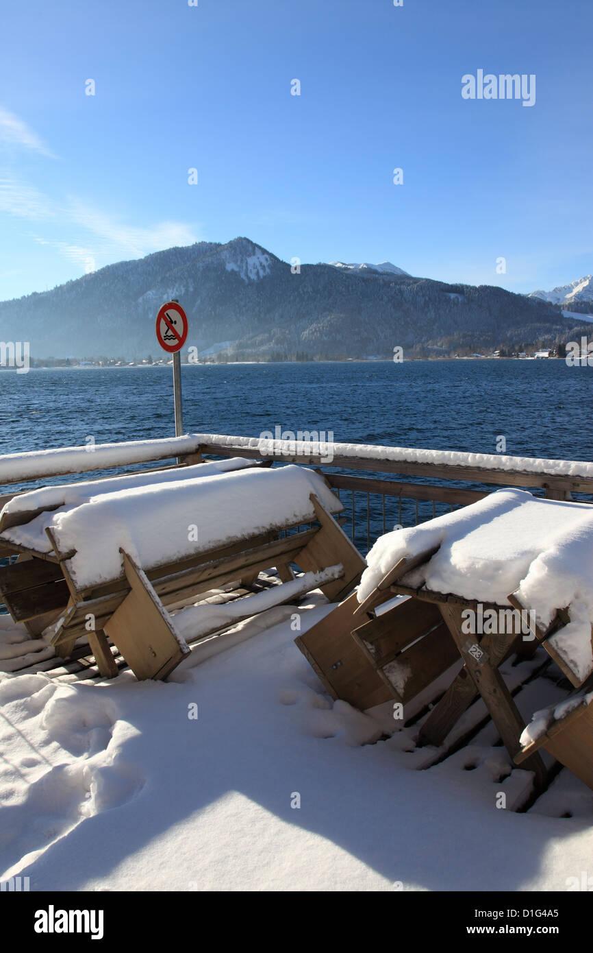 überdachte niemand am Meer am See Wasser Bayerische Alpen ...