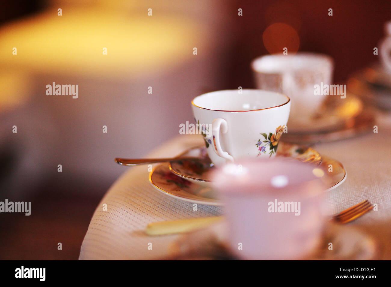 Tea-Party mit Muffins und Tee Stockbild
