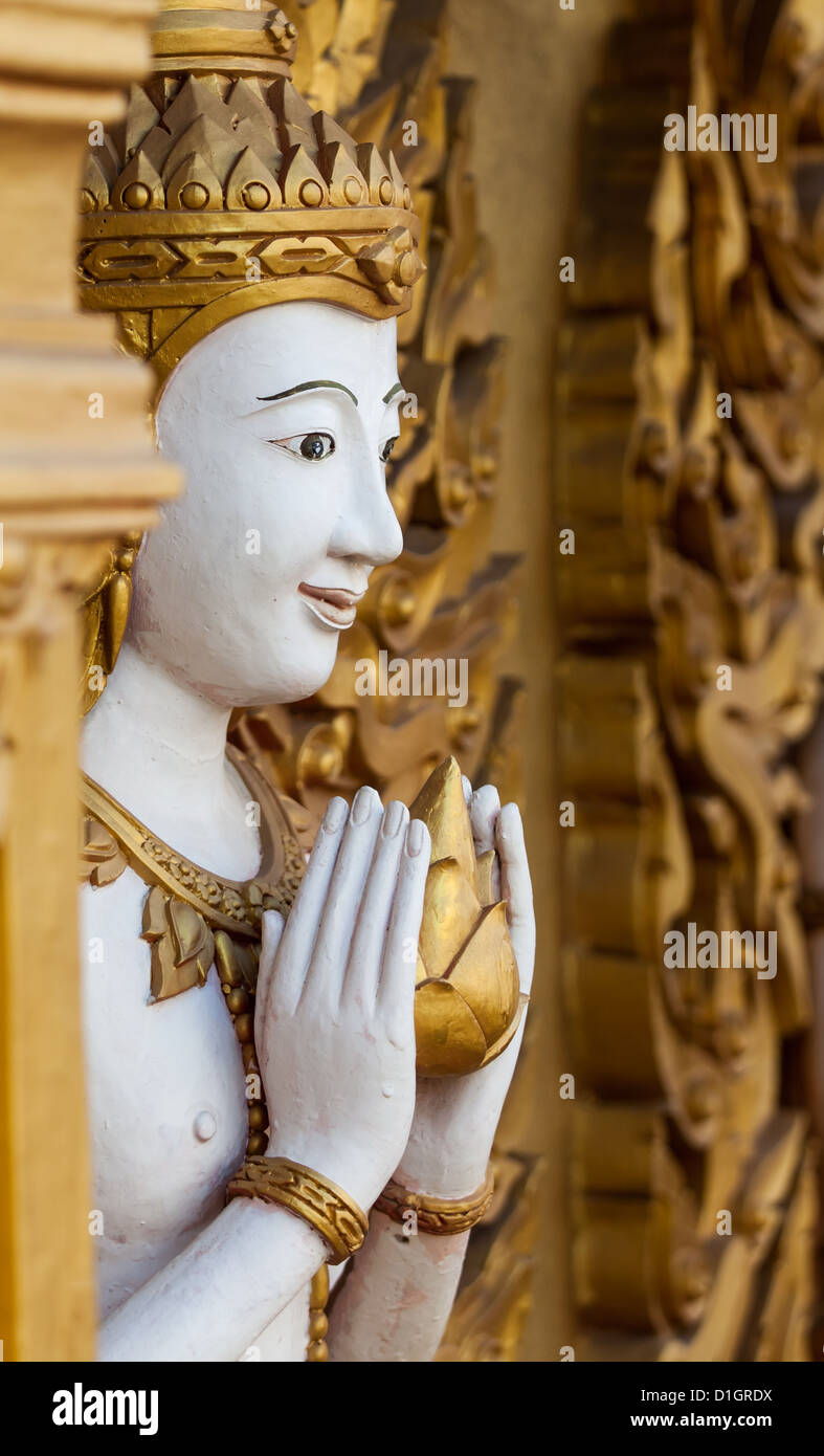 thai spritzgie en kunst an der wand im tempel stockfoto bild 52615414 alamy. Black Bedroom Furniture Sets. Home Design Ideas