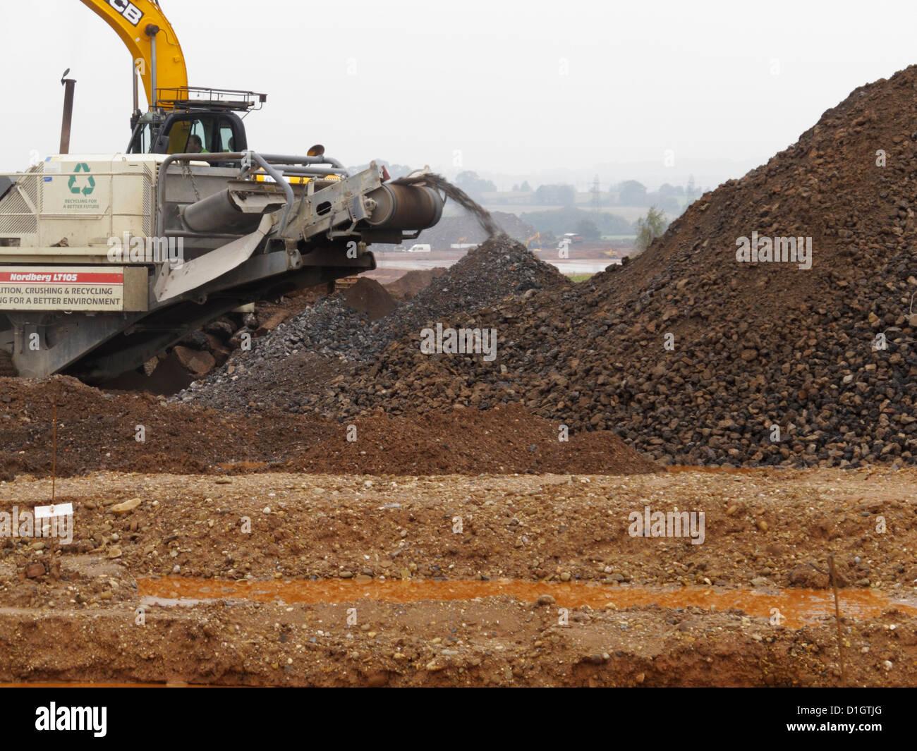Am Standort Brecher Anlage recycling Beton durch Zerkleinern auf ...