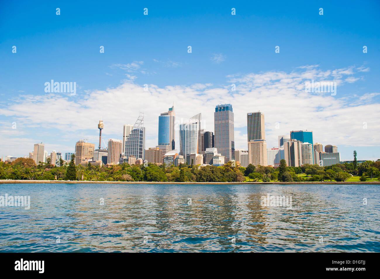 Stadtzentrum von Sydney und central Business District (CBD) von Sydney Botanic Gardens, Sydney, New South Wales, Stockbild
