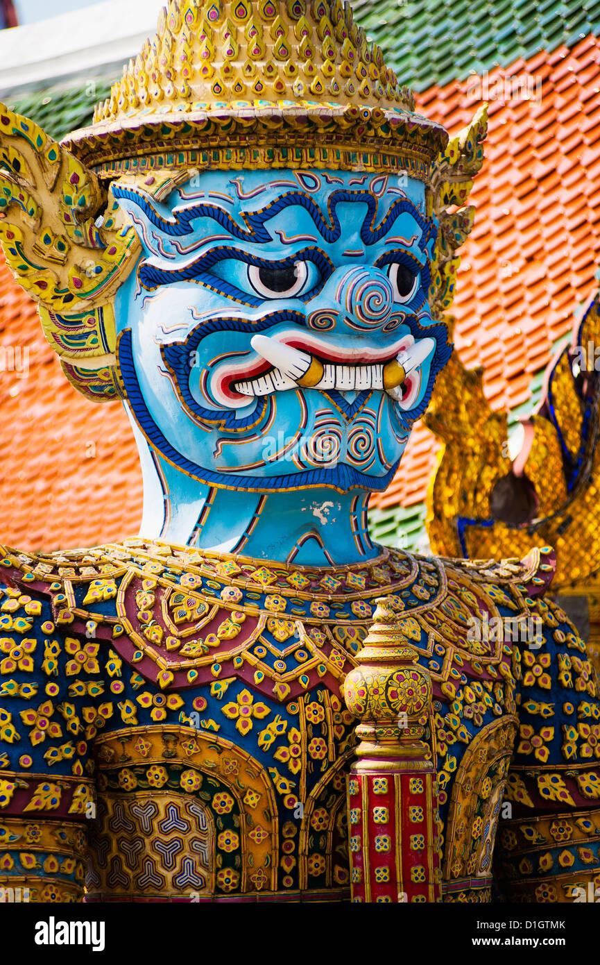 Bunte Wächter Statue nah oben, Grand Palace, Bangkok, Thailand, Südostasien, Asien Stockbild