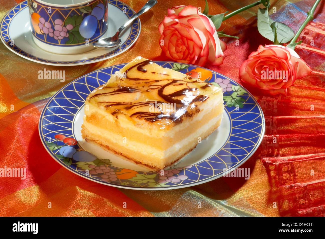 Orange Kuchen Mit Marmelade Und Schokolade Stockfoto Bild 52628450