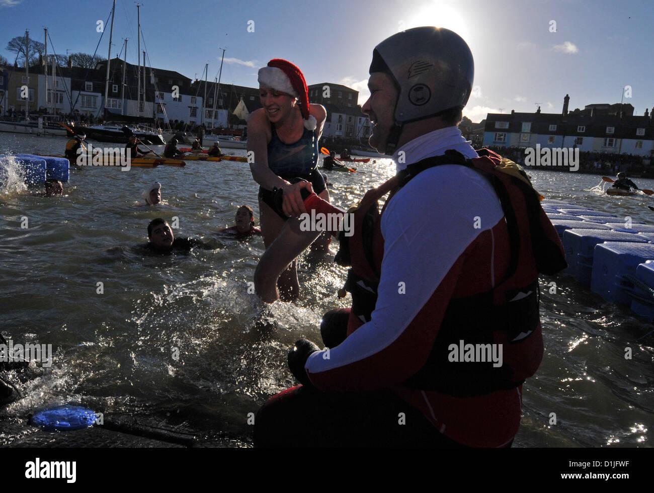 Weihnachten-Hafen schwimmen, Weymouth, Dorset, England, UK Stockbild