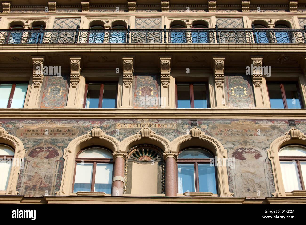 Haus Zum Haus Stockfotos & Haus Zum Haus Bilder - Alamy