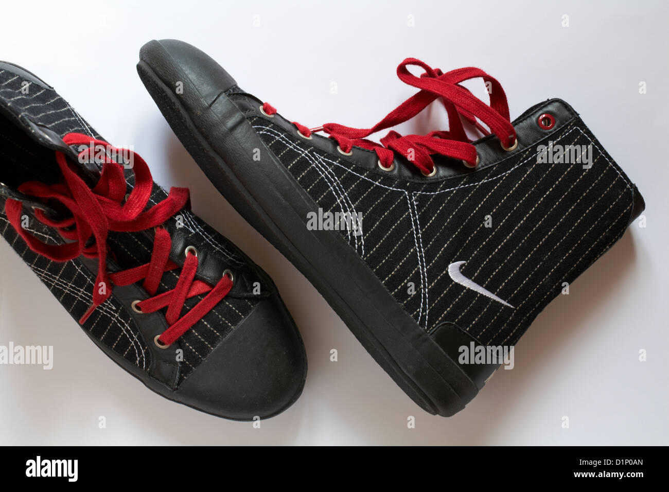 Black Nike Shoes Stockfotos & Black Nike Shoes Bilder Alamy