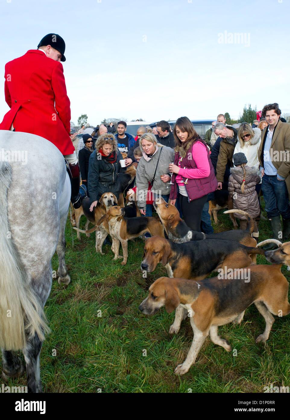Fuchsjagd Foxhunting - Der Essex Jagd und jagen Unterstützer an der traditionellen Boxing Day treffen. Stockbild