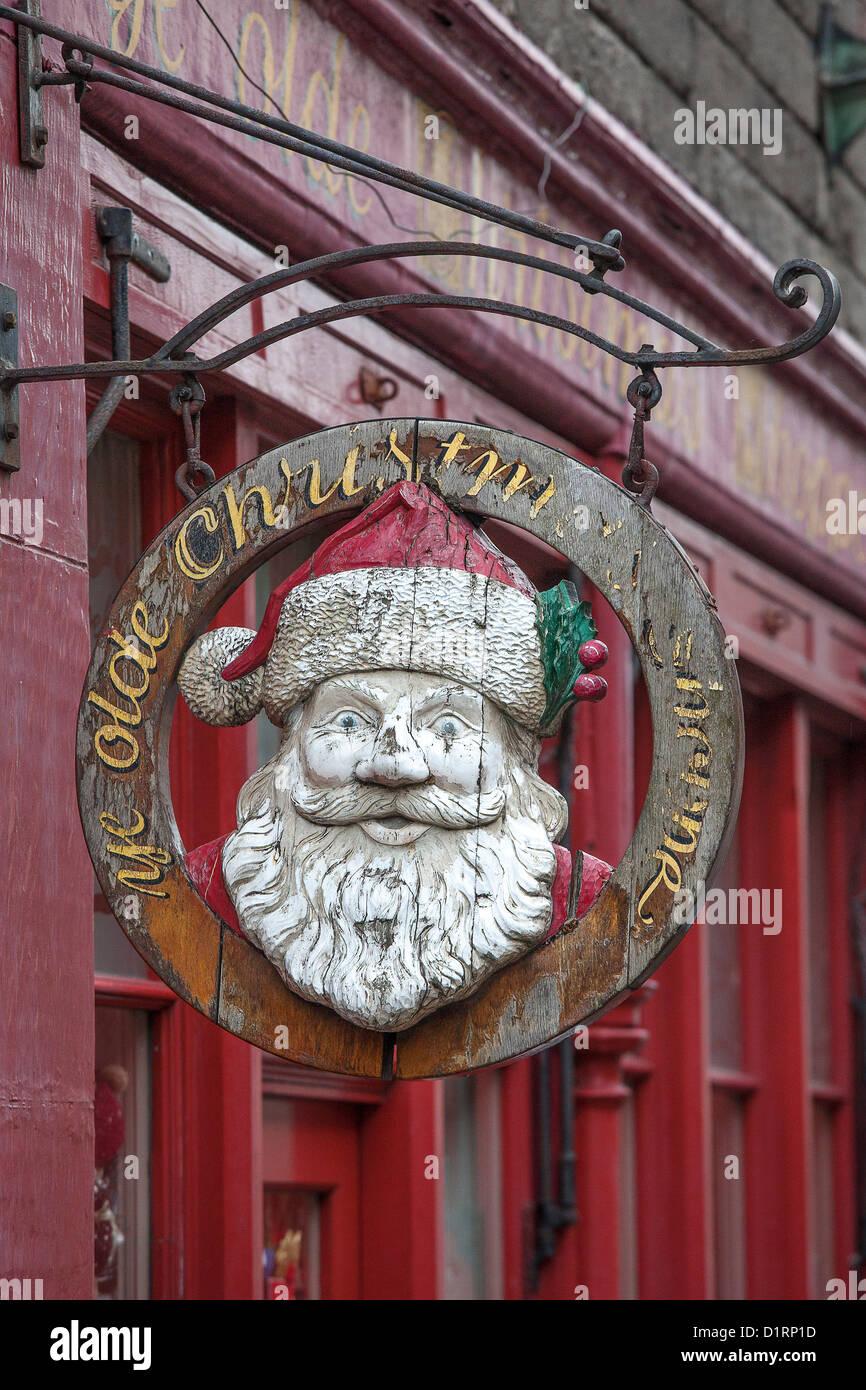 Edinburgh Christmas Shop Stockfotos & Edinburgh Christmas Shop ...