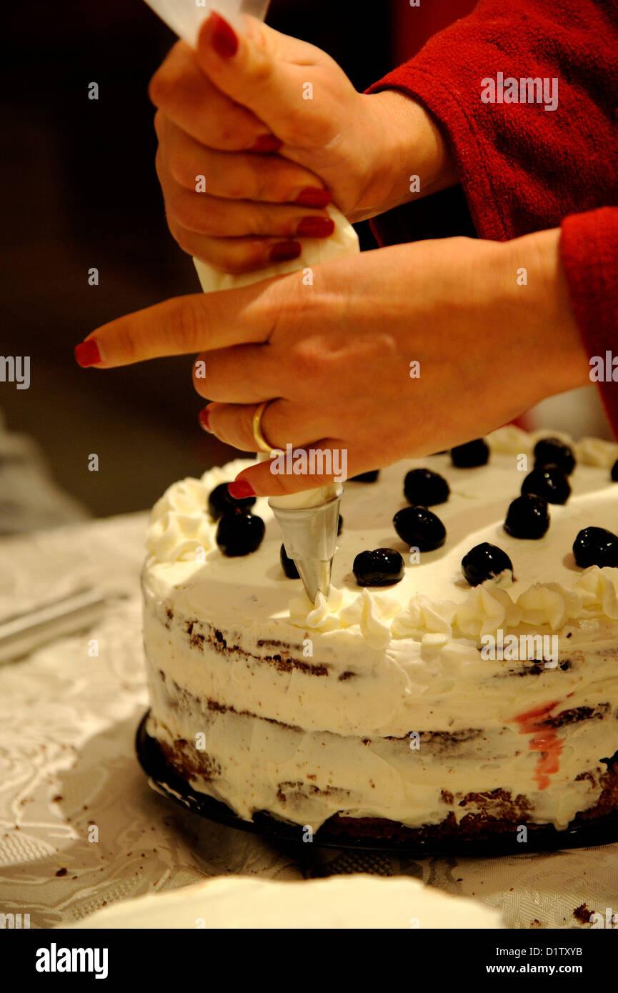 Die Vorbereitung Der Atastefully Schoner Kuchen Stockfoto Bild