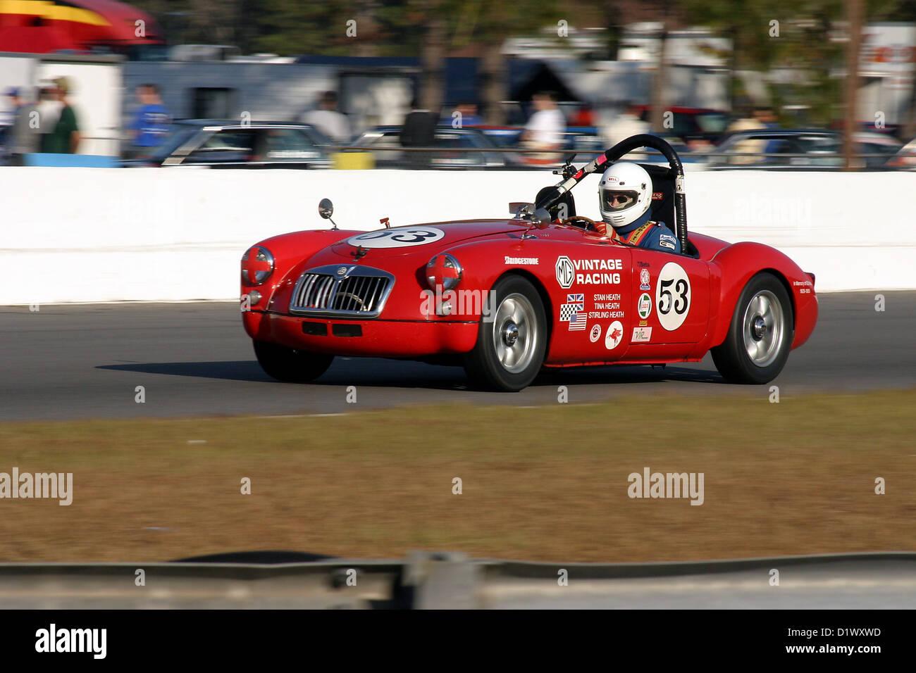Vintage racing MGA während eines Ereignisses VDCA Raceway Roebling Straße, in der Nähe von Savannah, Stockbild