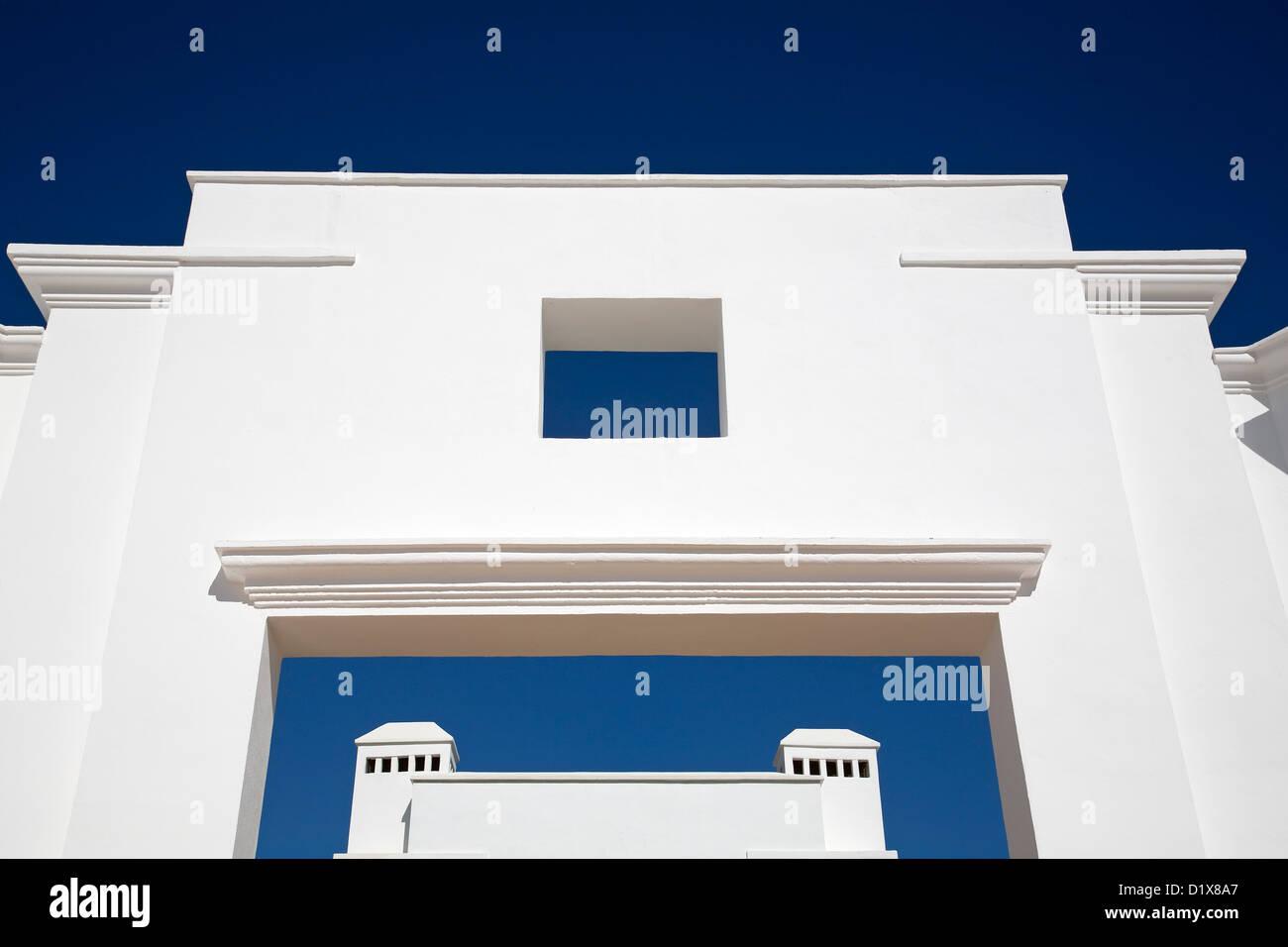 Architektur blauer Himmel mit weißen Wänden Malaga Andalusien Spanien Stockbild