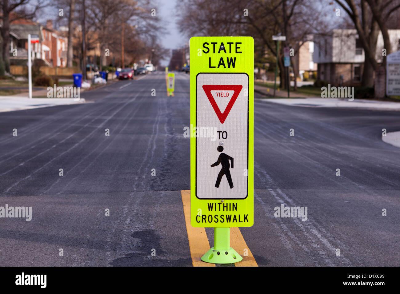 Rendite bis Fußgängerzone Zeichen Stockbild