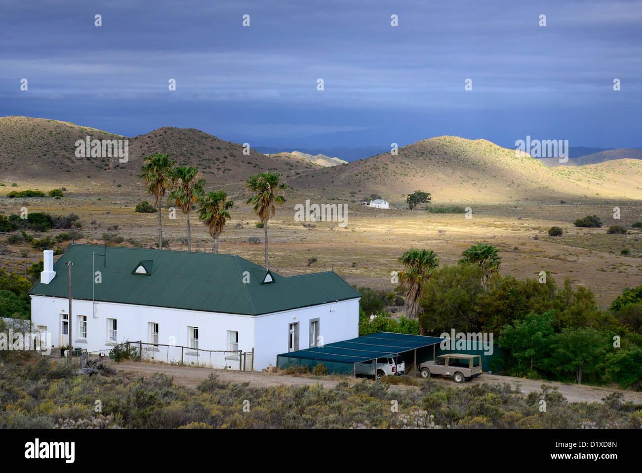 Karoo-Altbau in der Nähe von Warmwaterberg in der kleinen Karoo, Western Cape-Südafrika Stockbild