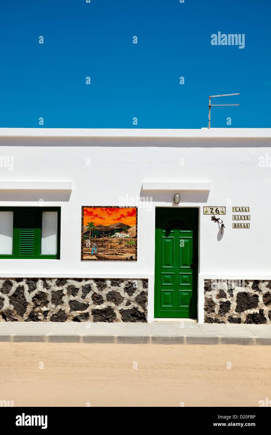 Eingang des Hauses, Caleta del Sebo, Insel La Graciosa, Lanzarote, Kanarische Inseln, Spanien, Europa Stockbild