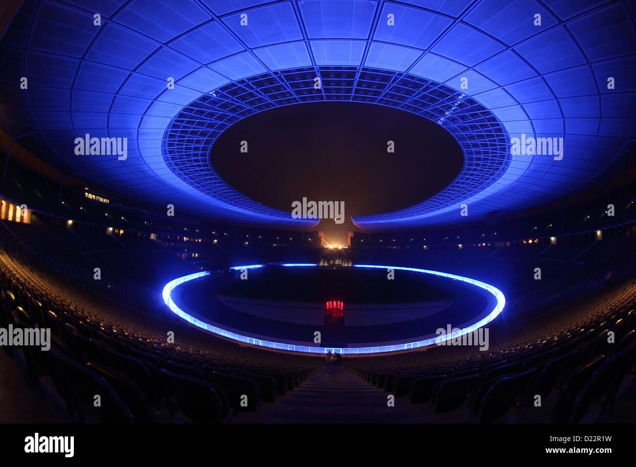 Berlin, Deutschland, Waechter Zeit im Olympiastadion beim Festival of Lights 2012 Stockbild