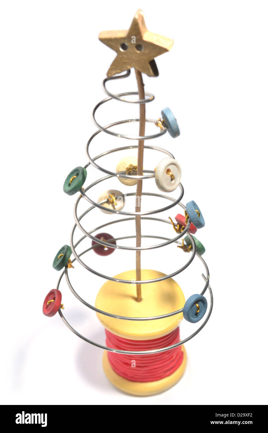 Großzügig Grüner Draht Weihnachtsbaum Galerie - Elektrische ...