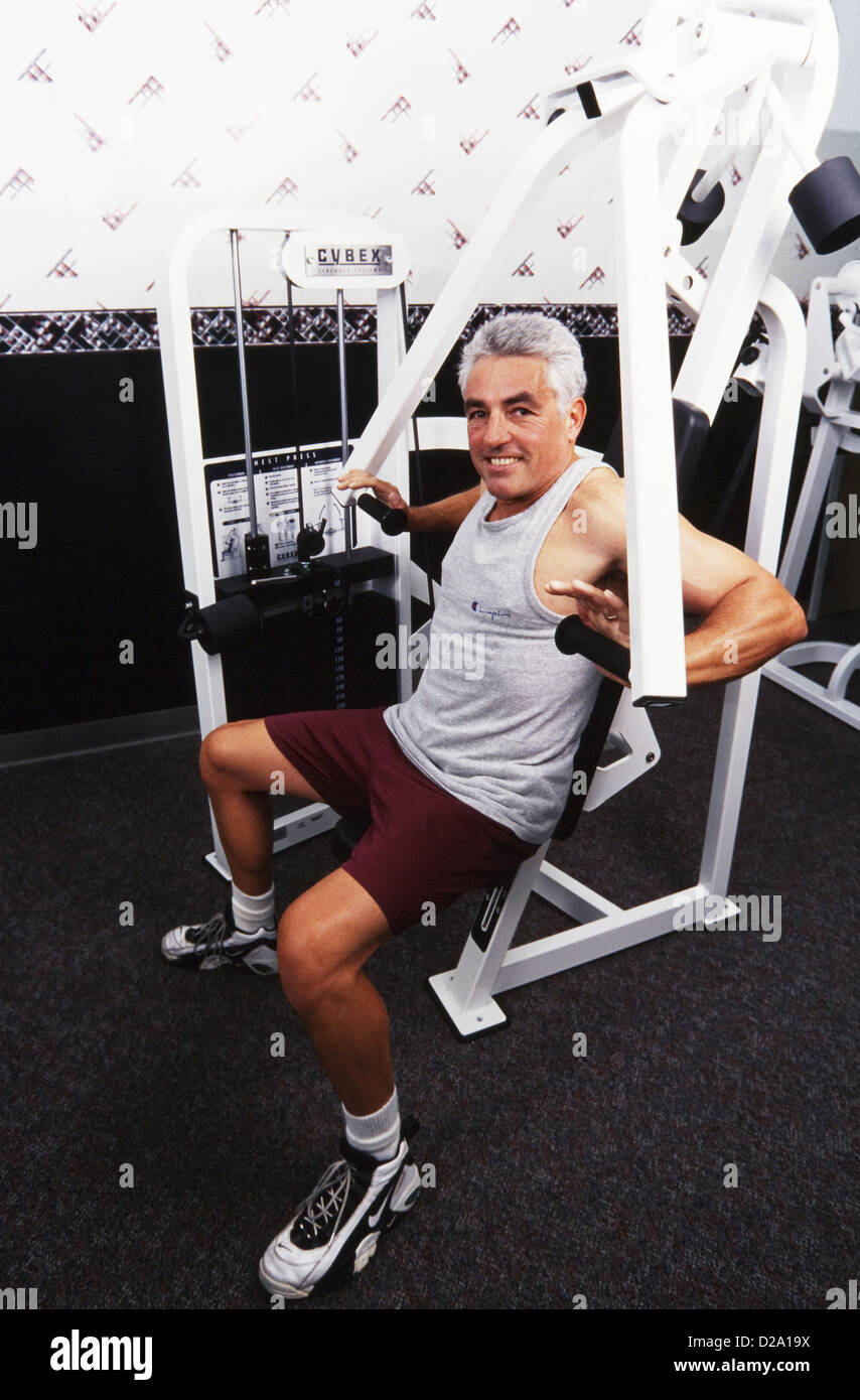 Senior woman Gewichte zu heben, lachen, haben Spaß, studly, MR282 Stockbild