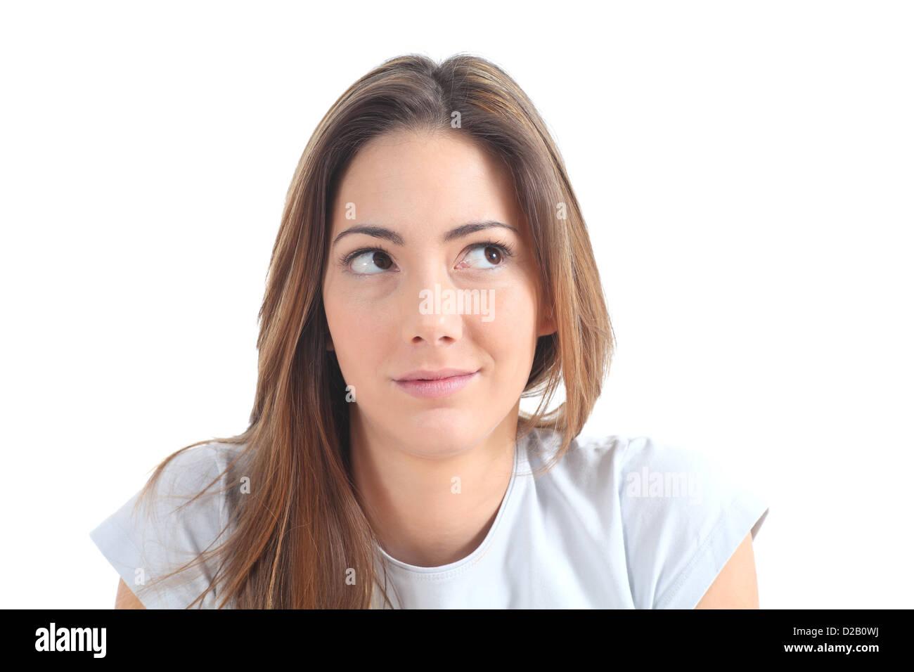 Frau denken mit ihren Augen Blick auf Seite auf einem weißen Hintergrund isoliert Stockbild
