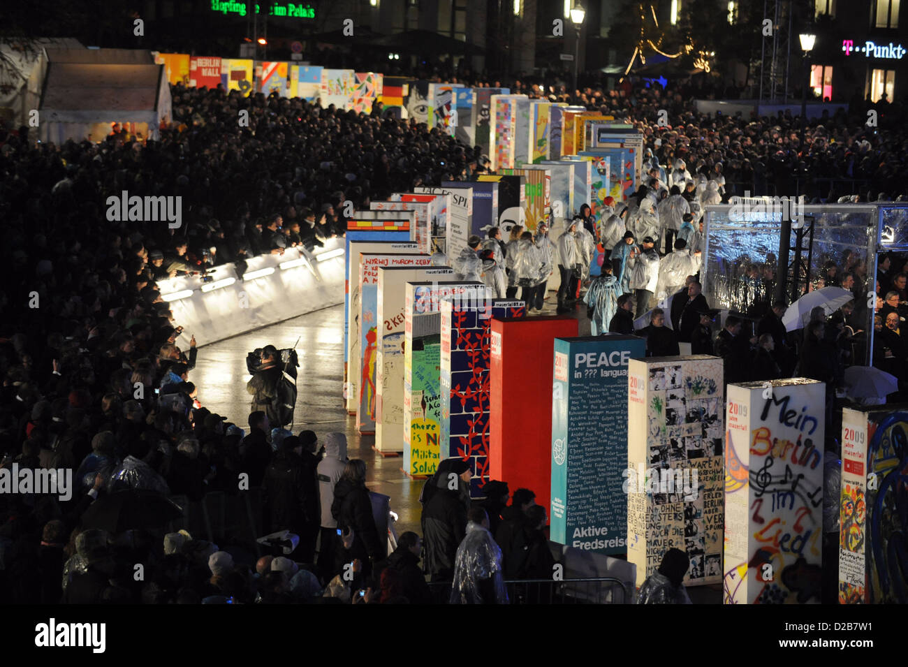 Berlin, Deutschland, Wandplatten für den 20. Jahrestag des Mauerfalls Stockbild