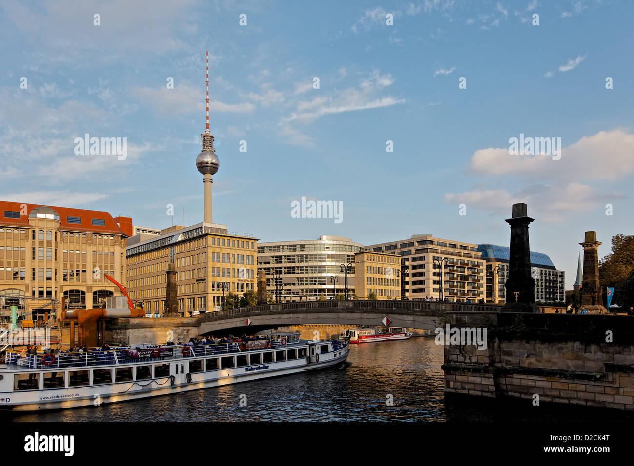 Vergnügungsschiff auf dem Rover Spree, Berlin Stockfoto