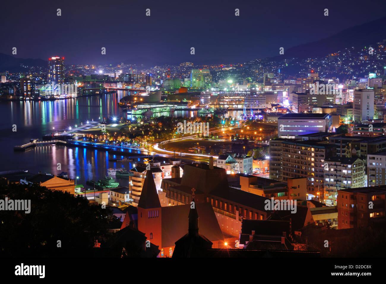 Skyline von der Bucht von Nagasaki, Japan. Stockbild