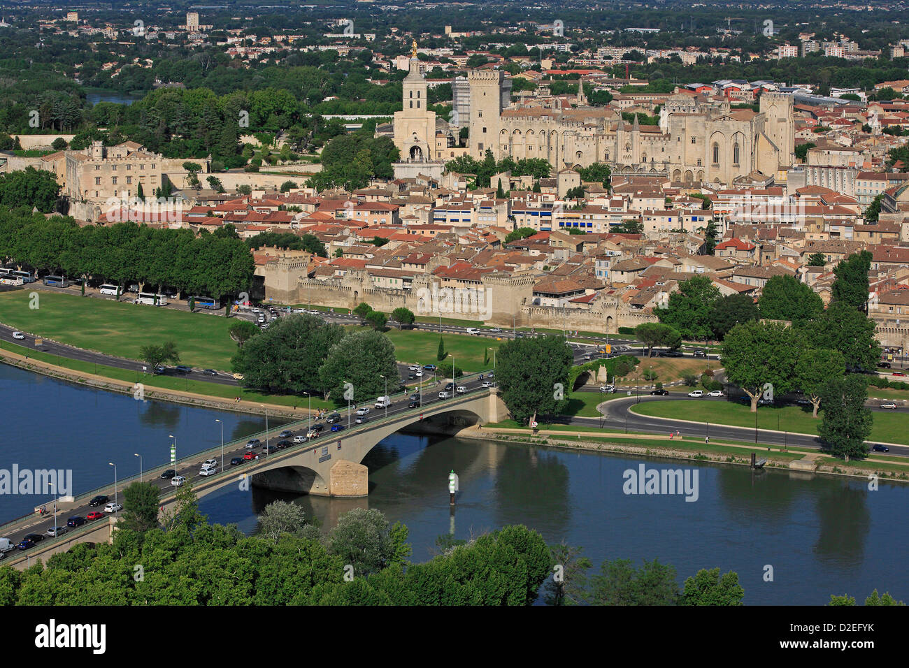 avignon aerial view stockfotos avignon aerial view bilder alamy. Black Bedroom Furniture Sets. Home Design Ideas
