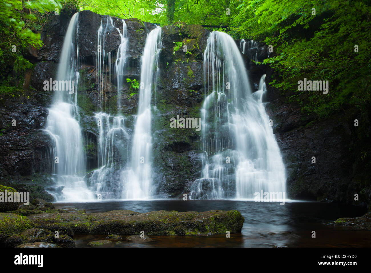 Ess-Na-Crub Wasserfall, Glenariff Forest Park, County Antrim, Nordirland. Stockbild