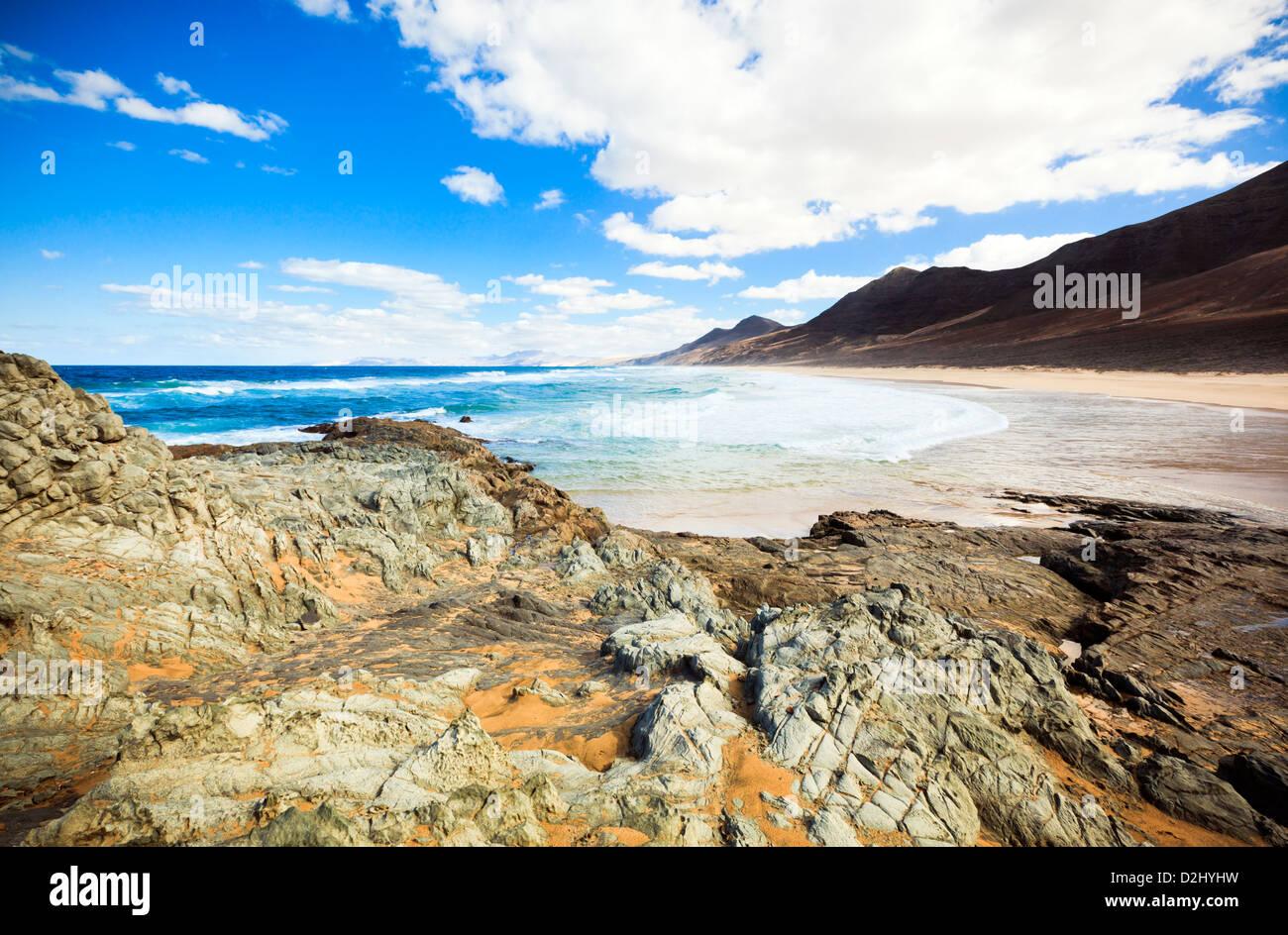 Der Strand von Cofete auf der südwestlichen Küste von Fuerteventura. Blick von La Islota. Stockbild