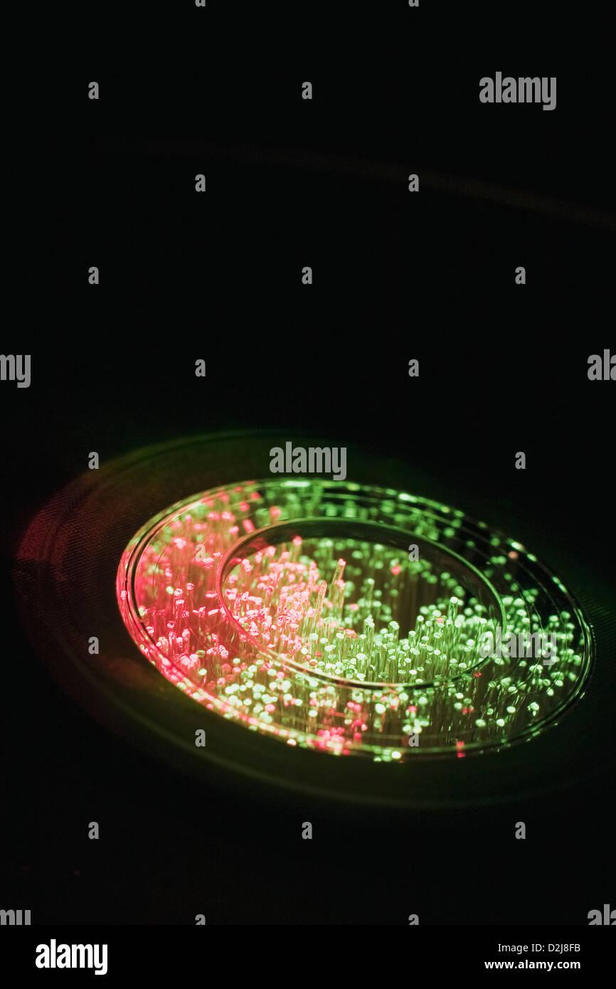 Nahaufnahme von Faser-Optik durch eine DVD Stockbild
