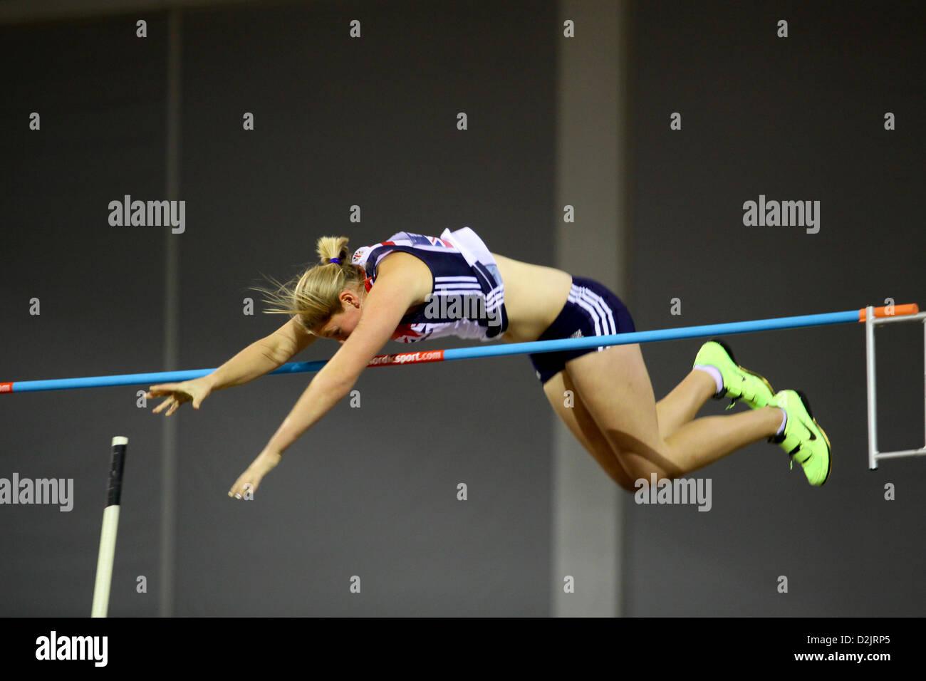 Holly Bleasdale GBR Großbritannien Gewinner des Frauen Stabhochsprung - 4,6 m. 26.01.2013 britischen Leichtathletik Stockfoto