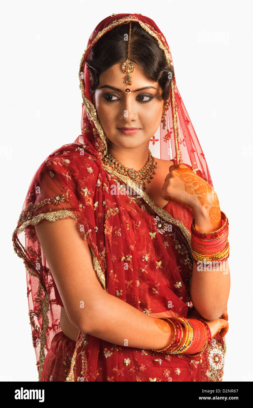Mehndi Sari Red Stockfotos & Mehndi Sari Red Bilder - Alamy
