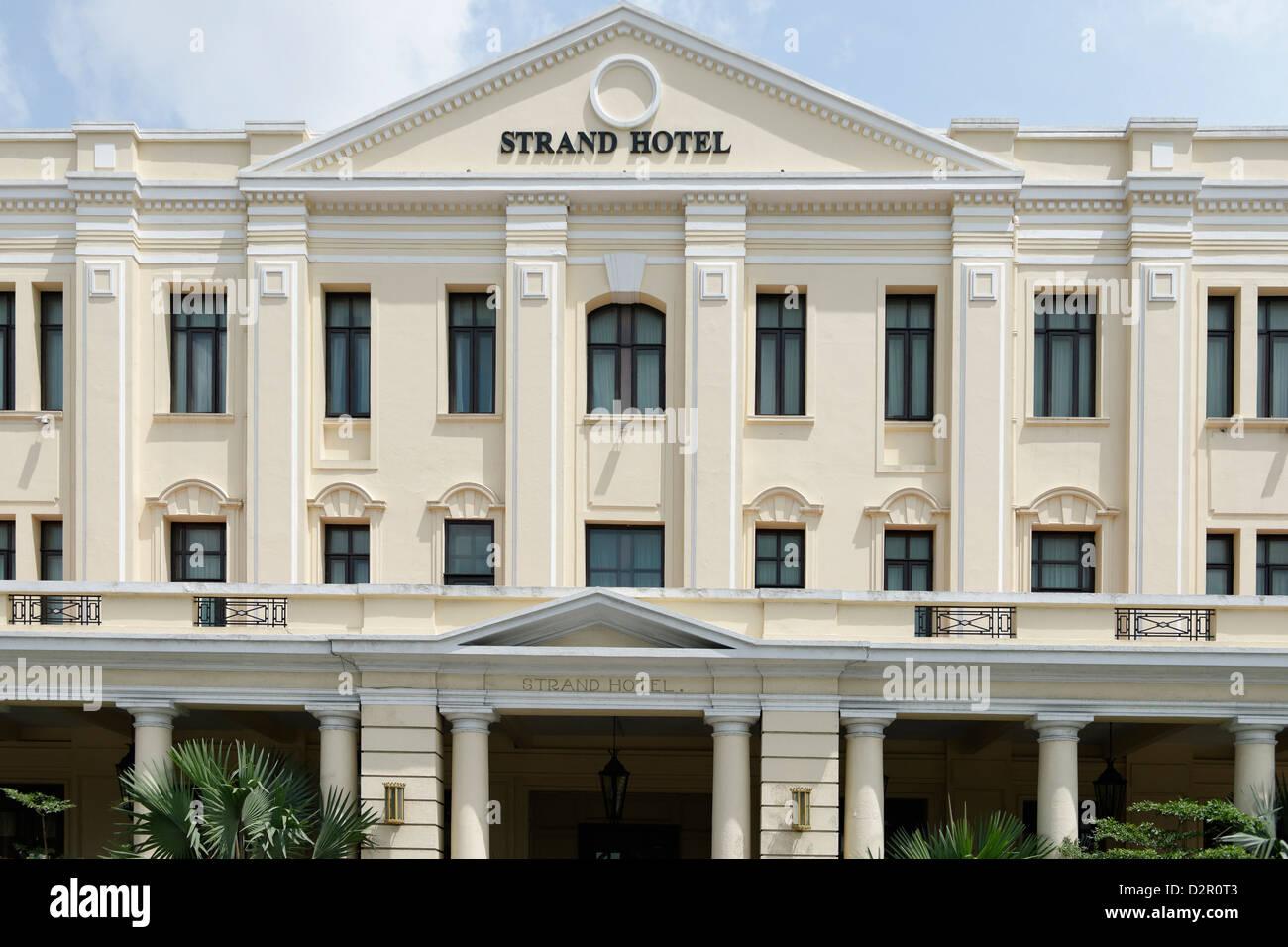 Strand Hotel, einer viktorianischen Stil im Jahr 1896 erbaut, Yangon (Rangoon), Region Yangon, Myanmar Stockbild