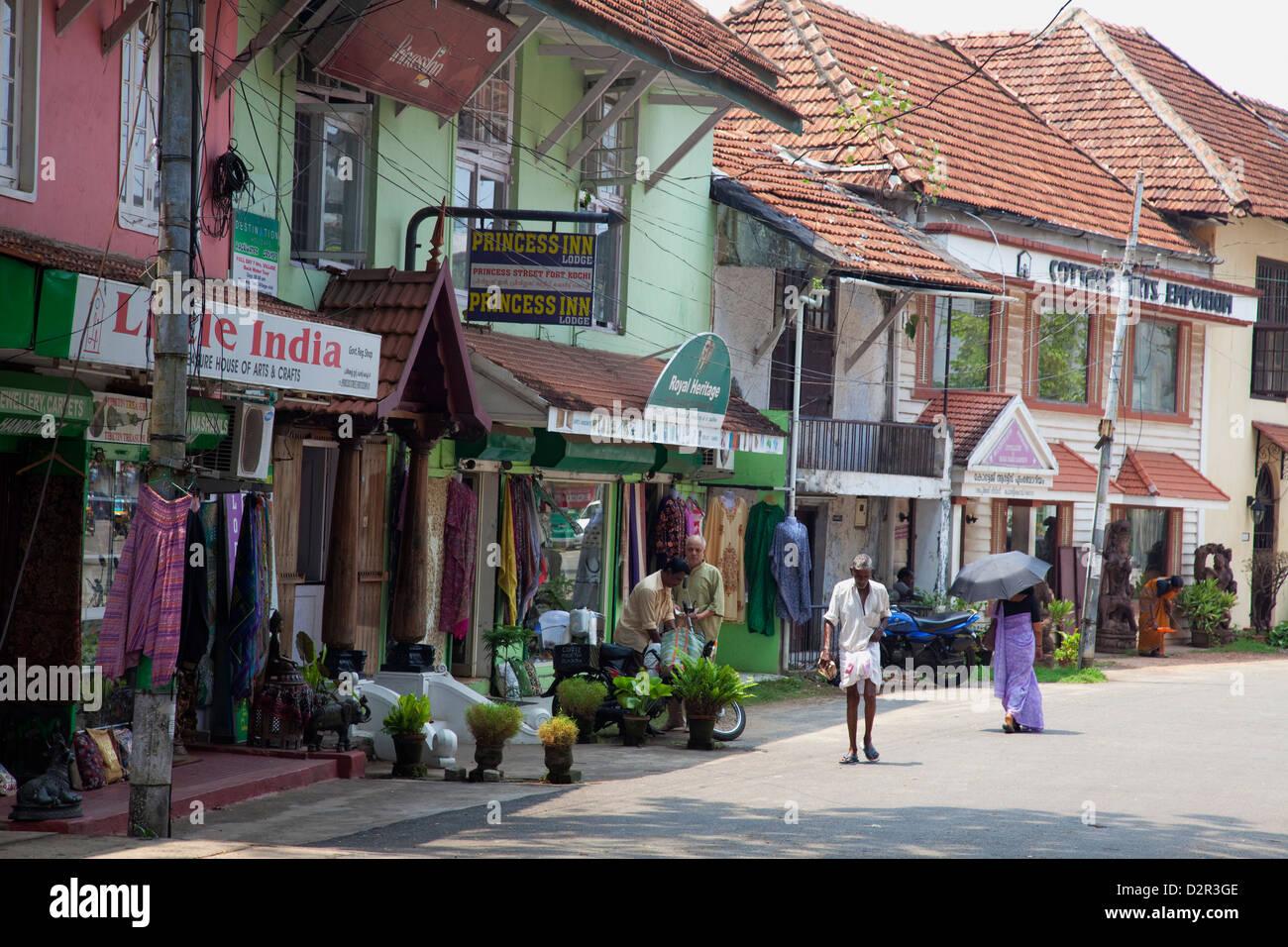 Straßenszene in Kochi (Cochin), Kerala, Indien, Asien Stockbild