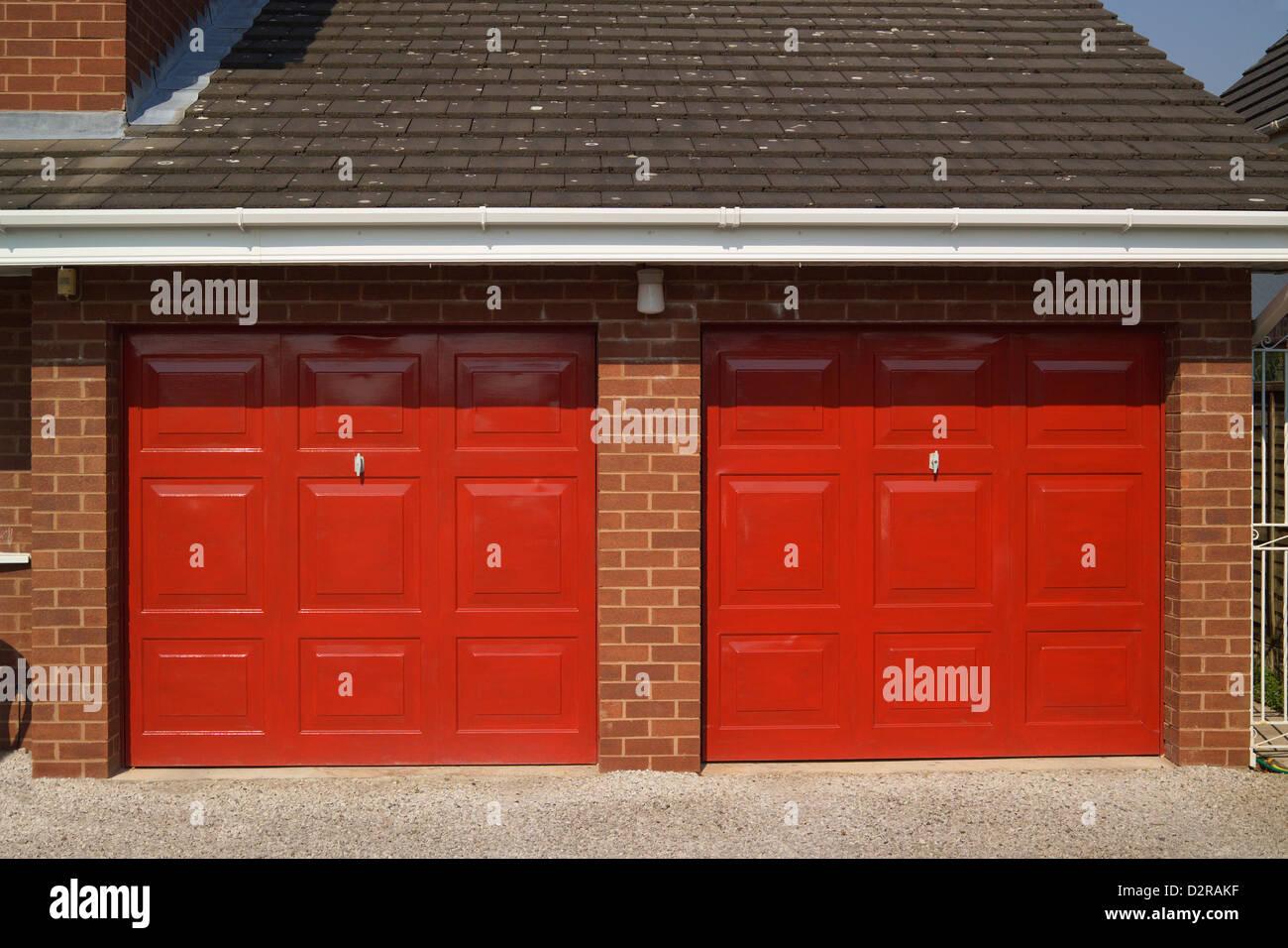 Blickfang Garage Bilder Foto Von Doppelgarage Eines Es Wirral Merseyside England Stockbild
