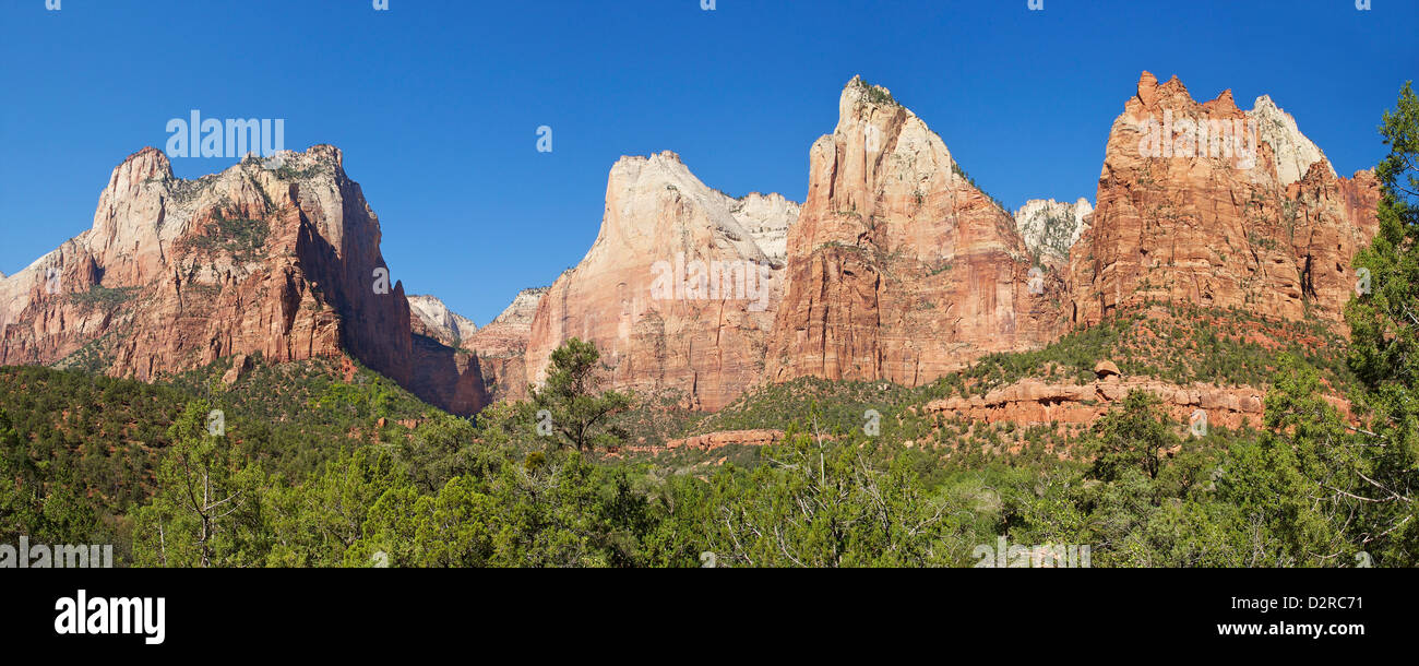 Panorama-Foto des Gerichtshofs für die Patriarchen, Abraham Peak, Isaac Gipfel, Mount Moroni und Jacob Peak, Stockbild